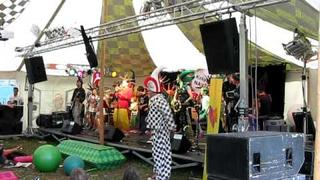 Kašpárek v rohlíku - Čůrej live (Rock for People 2009)