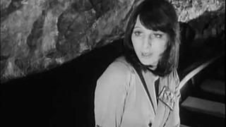 Martha a Tena Elefteriadu - Nejdelší most (1973)