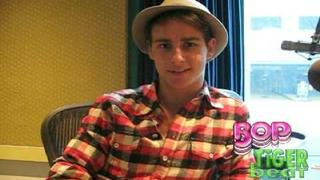 New Cutie Kelly Blatz Dishes On AARON STONE! (Tiger Beat & BOP)
