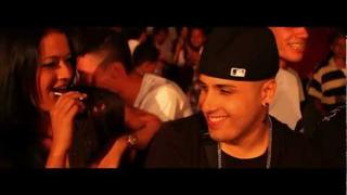 Nicky Jam - Piensas en mi (Video Oficial)
