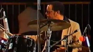Ow! - Dizzy Gillespie/James Moody/Gene Harris/Ray Brown/Grady Tate
