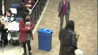 Recycling a bottle, flashmob style! [HQ]