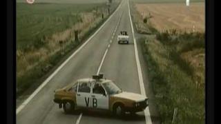 Tatra 613 Veřejná Bezpečnost. v akci