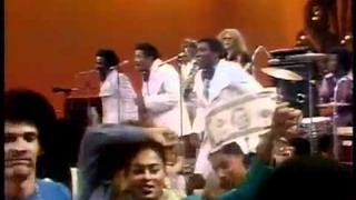 """The O'Jays perform """"For The Love of Money"""" on Soul Train"""
