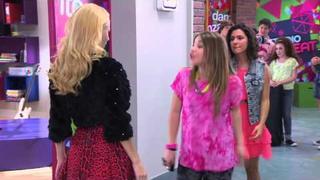 Violetta: Elena canta ¨Destinada A Brillar¨ (Ep 52 Temp 2)