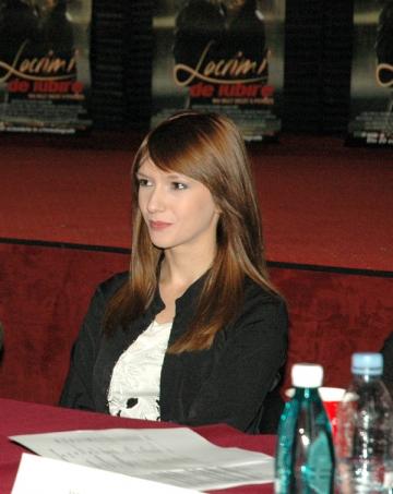 Adela Popescu