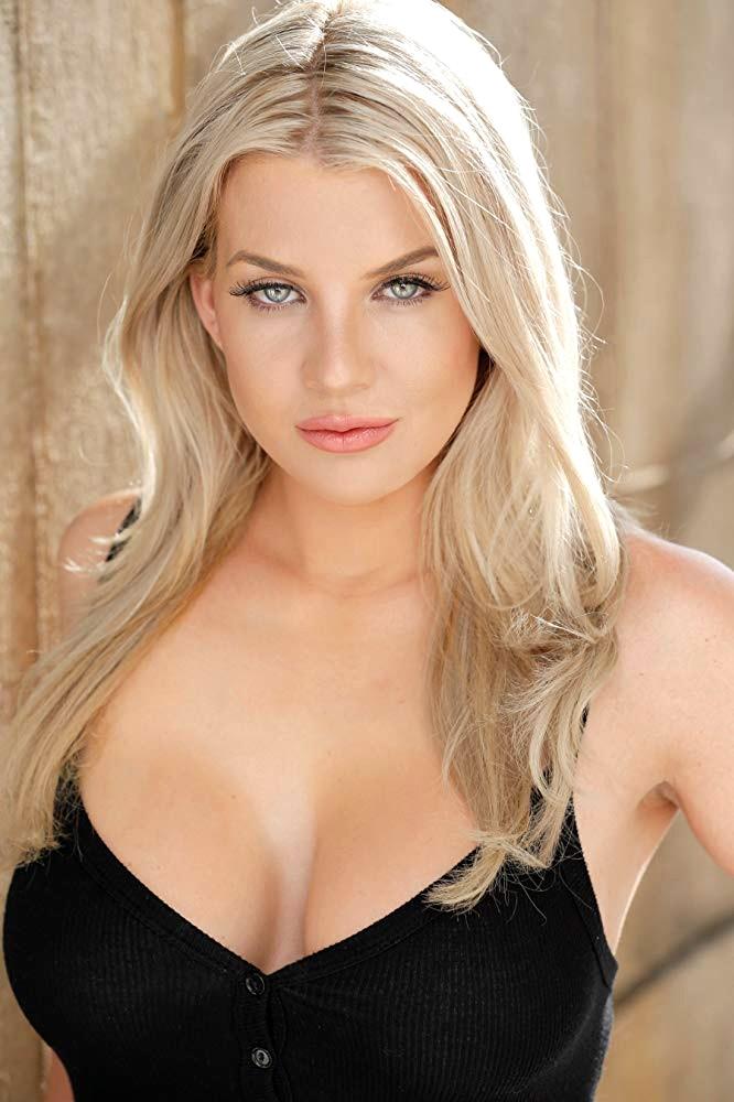 Baylee Curran