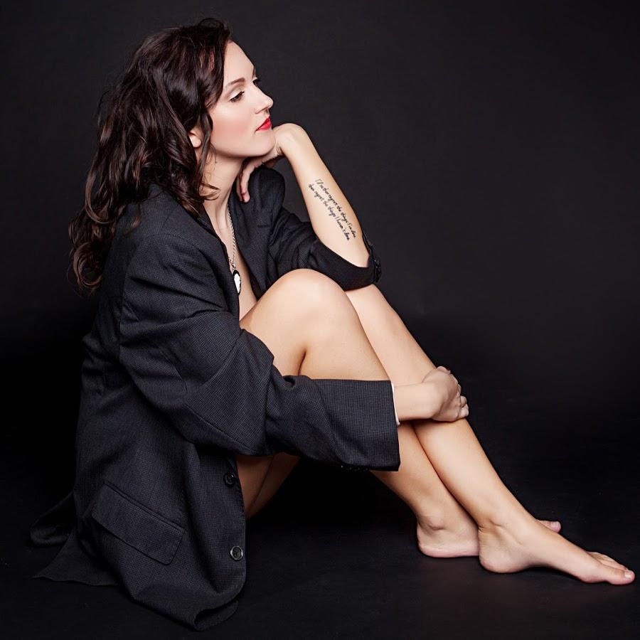 Carly Kirstenova Nude Photos 40