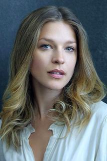 Emma Louise Saunders