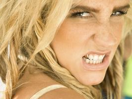 Kesha, kdo