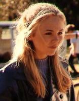 Lara Cox