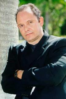 Manuel Salazar