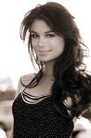 Nathalie Kelley