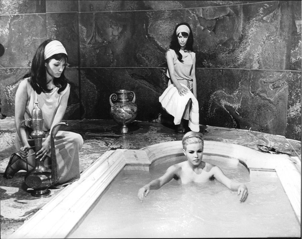 Madeleine A. Pickens,Rachel Ticotin Adult nude Francesca Buller,Skandar Keynes (born 1991)