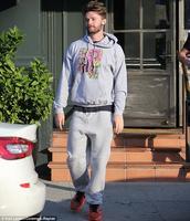 Miley Cyrus a Patrick Schwarzenegger sourozenci chodí