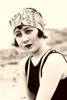 Shizue Natsukawa