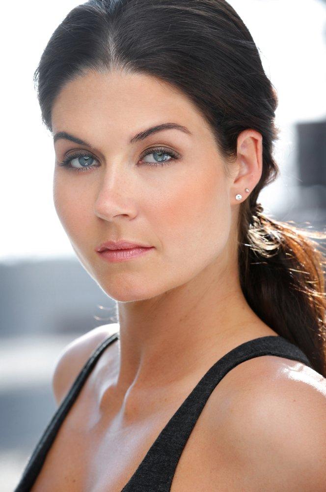 Stephanie Beran fotka