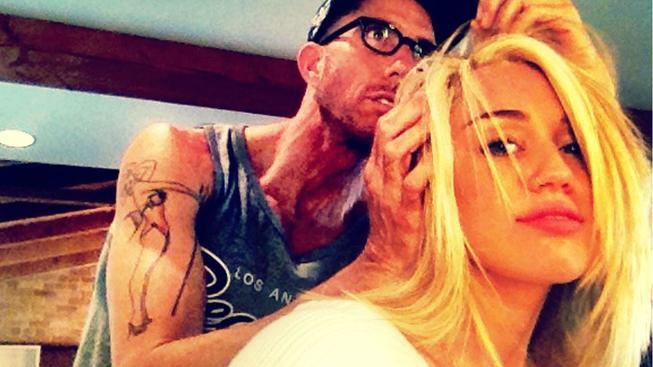 Miley Cyrus u kadeřníka