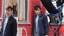 Exkluzivní snímky: Daniel Radcliffe se v novém filmu ukáže nahý