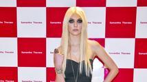 Nestydatá Taylor Momsen odhalila v novém klipu vše