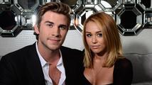 Miley Cyrus se rozhodla odložit plánovanou svatbu s Liamem Hemsworthem