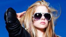 Avril Lavigne se v novém videoklipu vrátila do minulosti