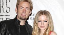 Avril Lavigne se podruhé vdala! K oltáři dovedla frontmana kapely Nickelback