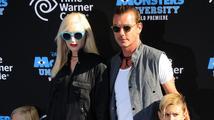 Stále krásná Gwen Stefani je ve svých 43 letech prý potřetí těhotná