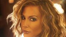 Zpěvačka Anastacia si nechala vzít prsa stejně jako Angelina Jolie