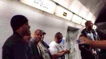 Jay-Z a Chris Martin způsobili cestujícím v londýnském metru šok. Co se stalo?
