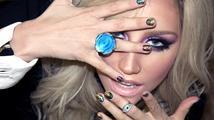 Kesha je venku z léčebny a vrací se do pracovního procesu