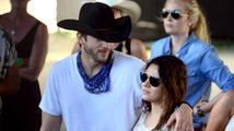 Mila Kunis se konečně pochlubila těhotenským bříškem