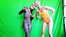 """Miley Cyrus chce, aby si její sestra """"udržela svou nevinnost tak dlouho, jak jen to půjde"""""""