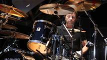 Bubeník AC/DC byl obviněn z přípravy vraždy!