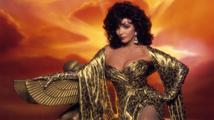 Joan Collins: 'O panenství jsem přišla při znásilnění'