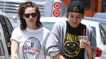 Kristen Stewart randí se svou asistentkou