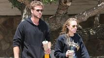 Liam Hemsworth zase randí! Sbalil kolegyni ze Dne nezávislosti