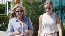 Reese Witherspoon a její dcera Ava si vzájemně vyměňují oblečení