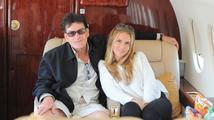 Brooke Mueller o vztazích s Charliem Sheenem: 'Daří se nám fantasticky'