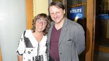 Bára Hrzánová a Radek Holub ukončili spolupráci s Divadlem Na Jezerce. Vytočil je jeho principál