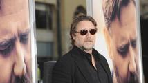 Russell Crowe si utrhl ostudu. Zbytečně zkritizoval aerolinky, které zakázaly přepravu hoverboardů
