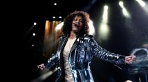 Whitney Houston by dnes oslavila 53. narozeniny! Podívejte se na její TOP písně!