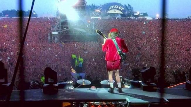 AC/DC - koncert v Doningtonu (1992)