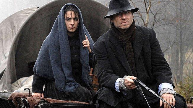 Lucia Siposová a Karel Roden ve filmu Hlídač č.47