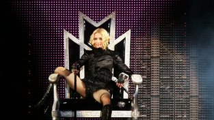 Popová královna Madonna slaví narozeniny