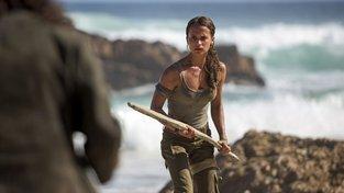 Superakční Lara Croft, volavka ruské tajné služby a další skvělé trailery