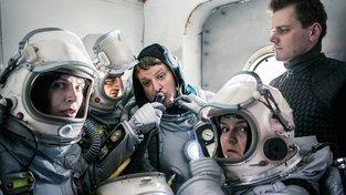 Filmové premiéry: Skupinka českých turistů na Marsu a návrat zabijáka
