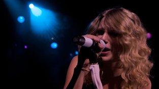 Úspěšná Taylor Swift slaví své 29. narozeniny. Posloucháte její písně?