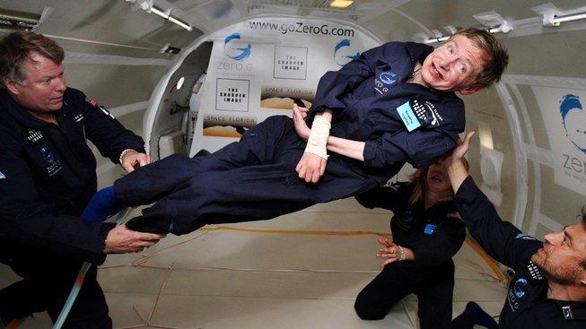 Stephen Hawking jako účastník parabolického letu na palubě Boeingu 727-200