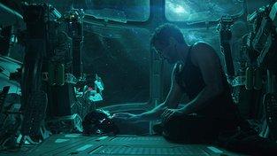 Filmové premiéry: Strhující marvelovské finále a restaurovaná Cesta do pravěku